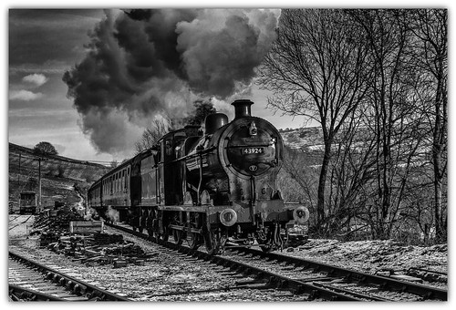 bw monochrome mono blackwhite trains steam engines railways locomotives preservation kwvr oakworth keighleyworthvalleyrailway therailwaychildren niksoftware silverefex