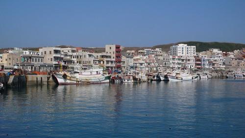 澎湖開發始於明朝為海上明珠,南方四島也曾繁華過,至今島上的居民生活仍與海有密切接觸。郭瓊瑩攝