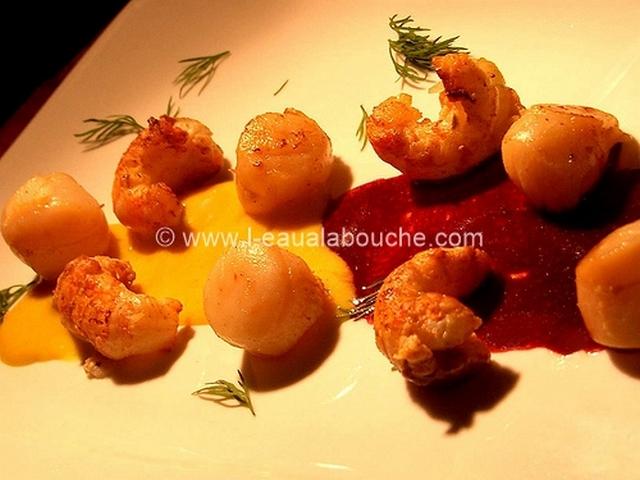 Noix de St.Jacques et Langoustines Mousseline au Gewurztraminer Sauce au Merlot © Ana Luthi Tous droits réservés