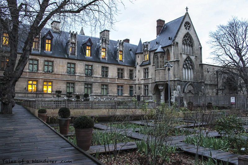 PARIS - Jardin du musée de Cluny / Hôtel de Cluny