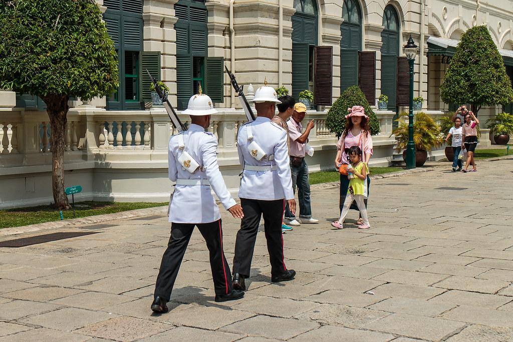 החלפת משמר מלכותי בבנגקוק