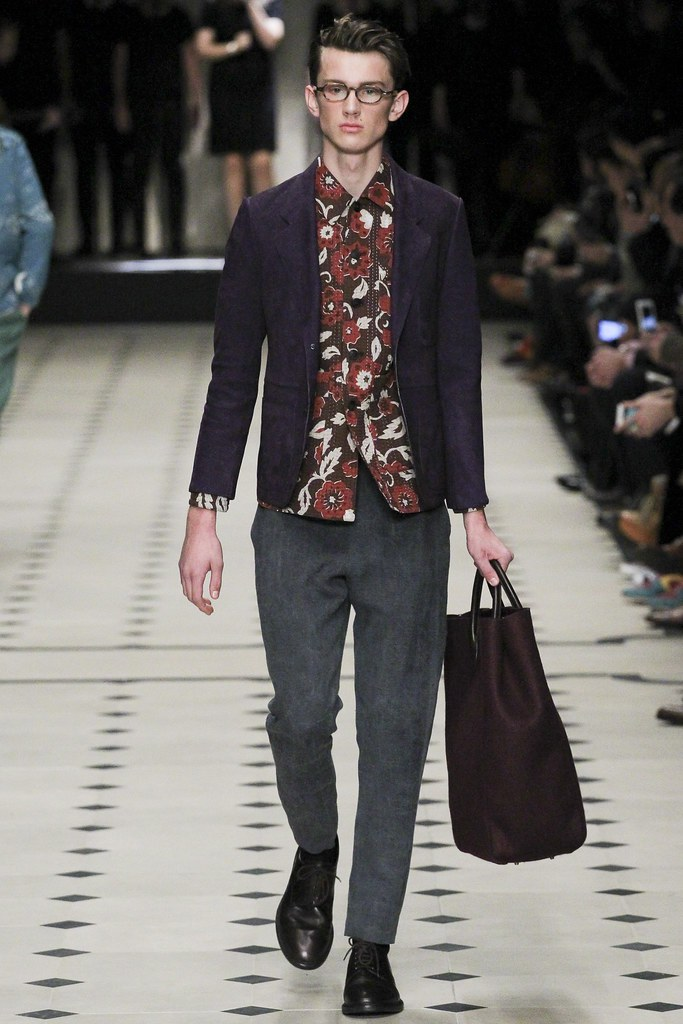 FW15 London Burberry Prorsum014(VOGUE)