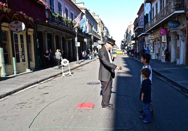 NOLA bourbon street - magician