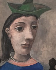 Woman with Green Hat, 1939 (The Phillips collection) is a #portrait of the #surrealist artist and photographer Dora Maar, who was Picasso's model and mistress for eight years (1936-1944). #Picasso depicts Maar wearing her signature accessory -a hat. Maar'
