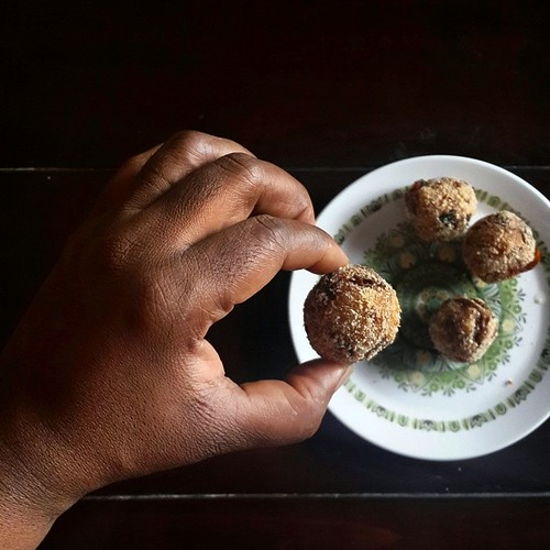 #Yam and #Dambunama balls, rolled in #garriijebu.  In the mix: - 1 cup of yam, boiled and mashed by pounding - 1 heaped tablespoon of flour - 1or 2 teaspoons tomato, onion and pepper sauce - freshly picked scentleaves, sliced - dambu nama, to taste - garr