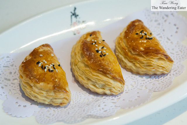 Durian puff pastry