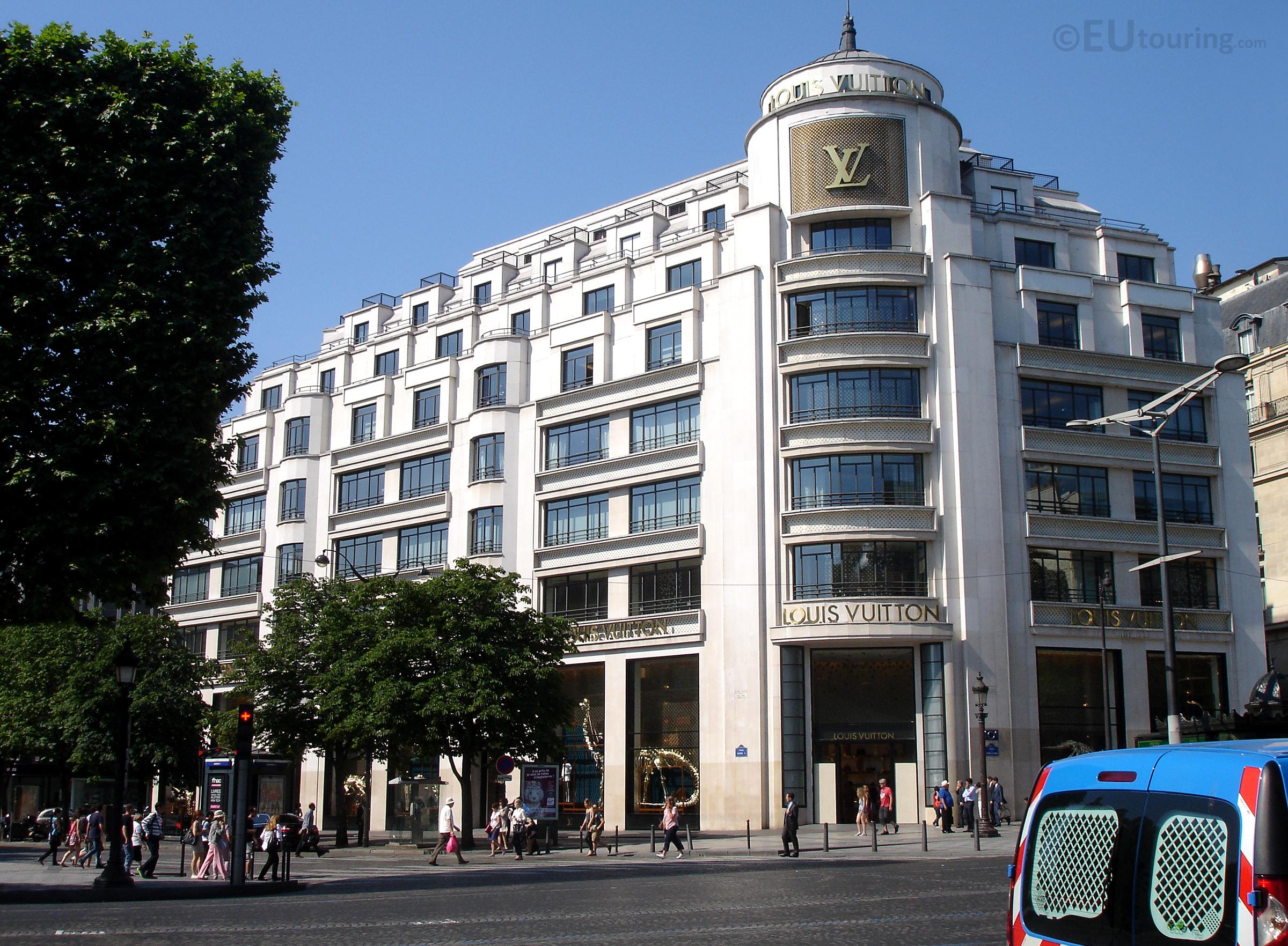 Louis Vuitton at Avenue des Champs Elysees