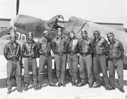 Tuskegee_Airmen_-_Circa_May_1942_to_Aug_1943