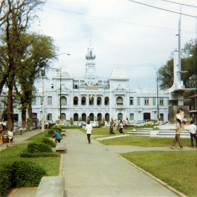 Saigon 1969 - Saigon City Hall - Photo by Bob Lee