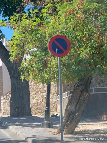 Prohibido aparcar aeronaves en este área