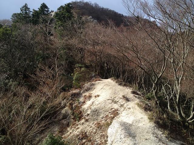鎌ヶ岳 雲母峰-鎌ヶ岳登山道 白ハゲ ザレ尾根