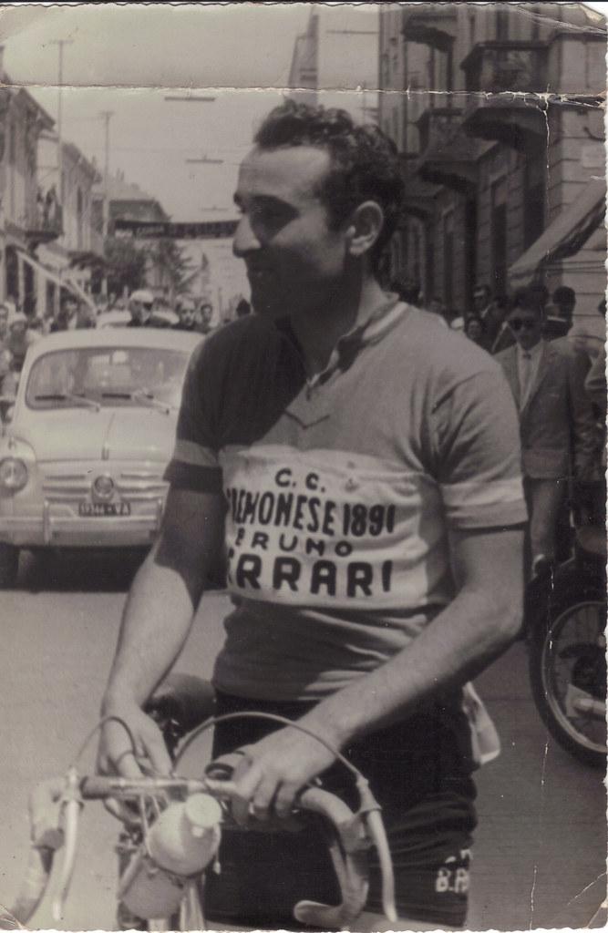 Renato con la maglia della CC Cremonese 1891