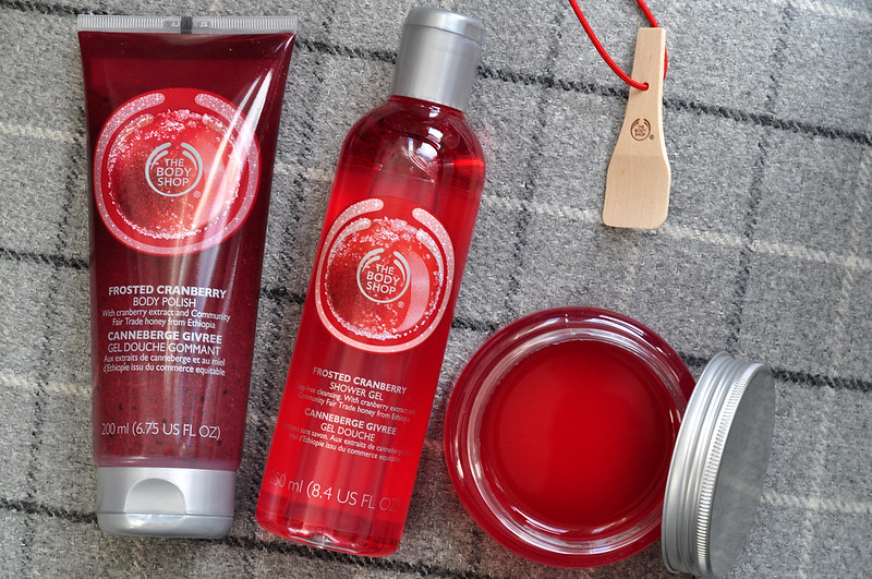 mini reviews the body shop frosted cranberry rottenotter rotten otter blog