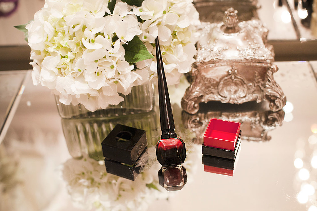 christian-louboutin-rouge-red-nail-polish-blog-review