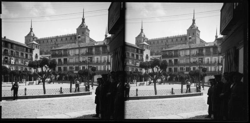 Plaza de Zocodover  hacia 1900. Fotografía de Alois Beer © Österreichische Nationalbibliothek