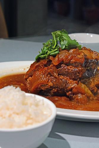 豊華小館豚肉のタマネギ煮