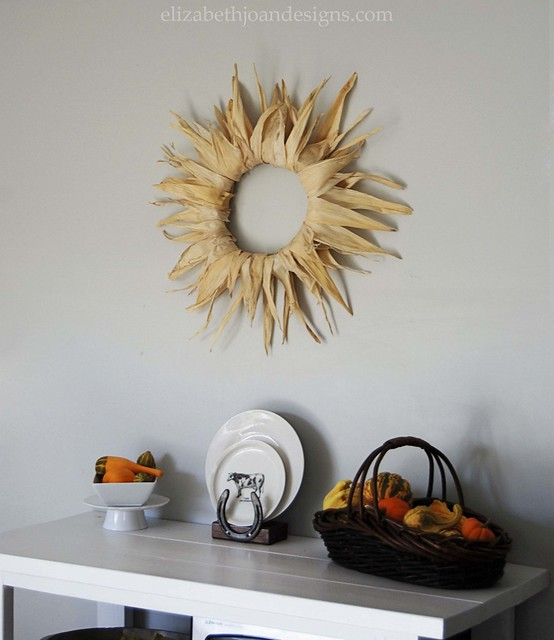 Corn-husk wreath 1