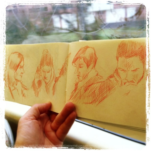 #urbansketch #pencil #train #kurutoga #uni