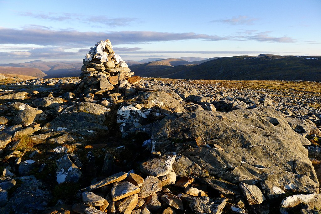 Summit of Eididh nan Clach Geala