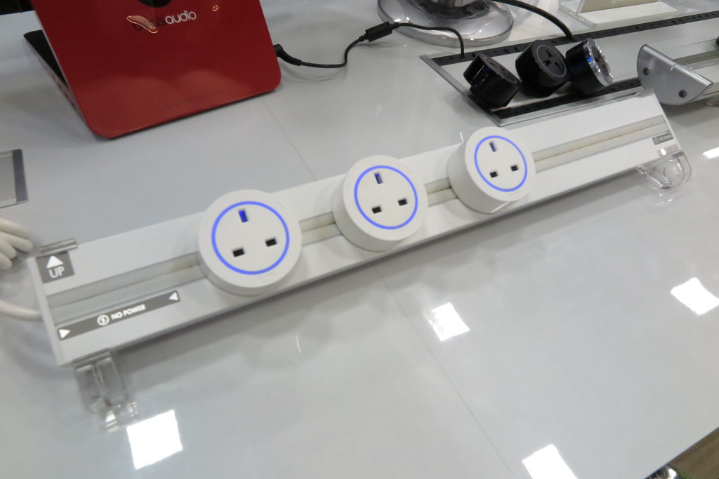 Eubiq Flexible Power Outlet System Reviewed by The Loving Mum