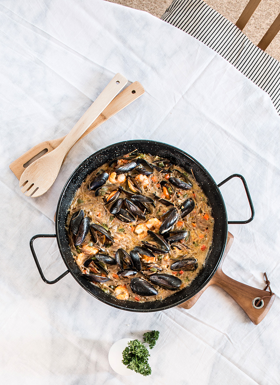 Gluten free noodles paella {fideuà} |  Lau Sunday cooks