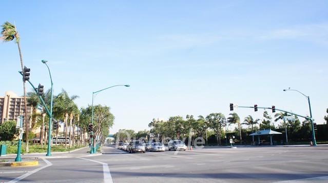 世界で最初のディズニーランドがある、カリフォルニア州アナハイムの風景