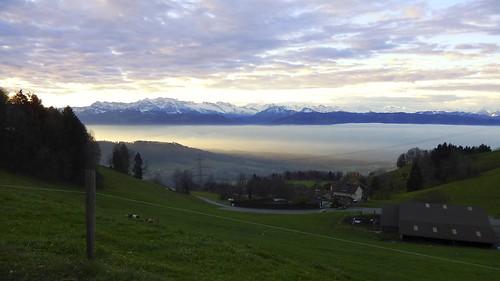 schnee snow mountains fog landscape geotagged schweiz switzerland nikon nebel suisse berge coolpix che nikonshooter kantonzürich wernetshausen s9600 nikonschweiz geosetter capturenx2 nikonswitzerland viewnx2 oberorn geo:lat=4729031333 geo:lon=888471007