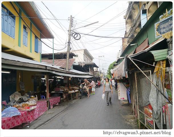 泰國-泰北-清邁-Somphet Market-Tip's Best Fresh Fruit Smoothie-市場-果汁攤-酸奶水果沙拉-燕麥水果優格沙拉-香蕉Ore0-泰式奶茶-早餐-8-588-1
