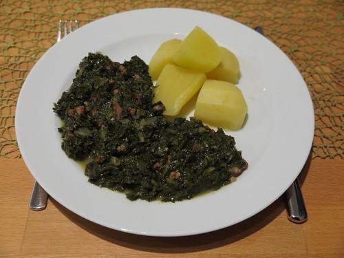 Grünkohl mit Salzkartoffeln