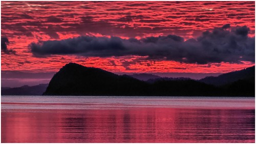 sunset red sea sky water walking australia bushwalking tasmania mariaisland mountfieldnationalpark shoalbay hellfirebluff trainsintasmania latelighting stevebromley lumixfz200