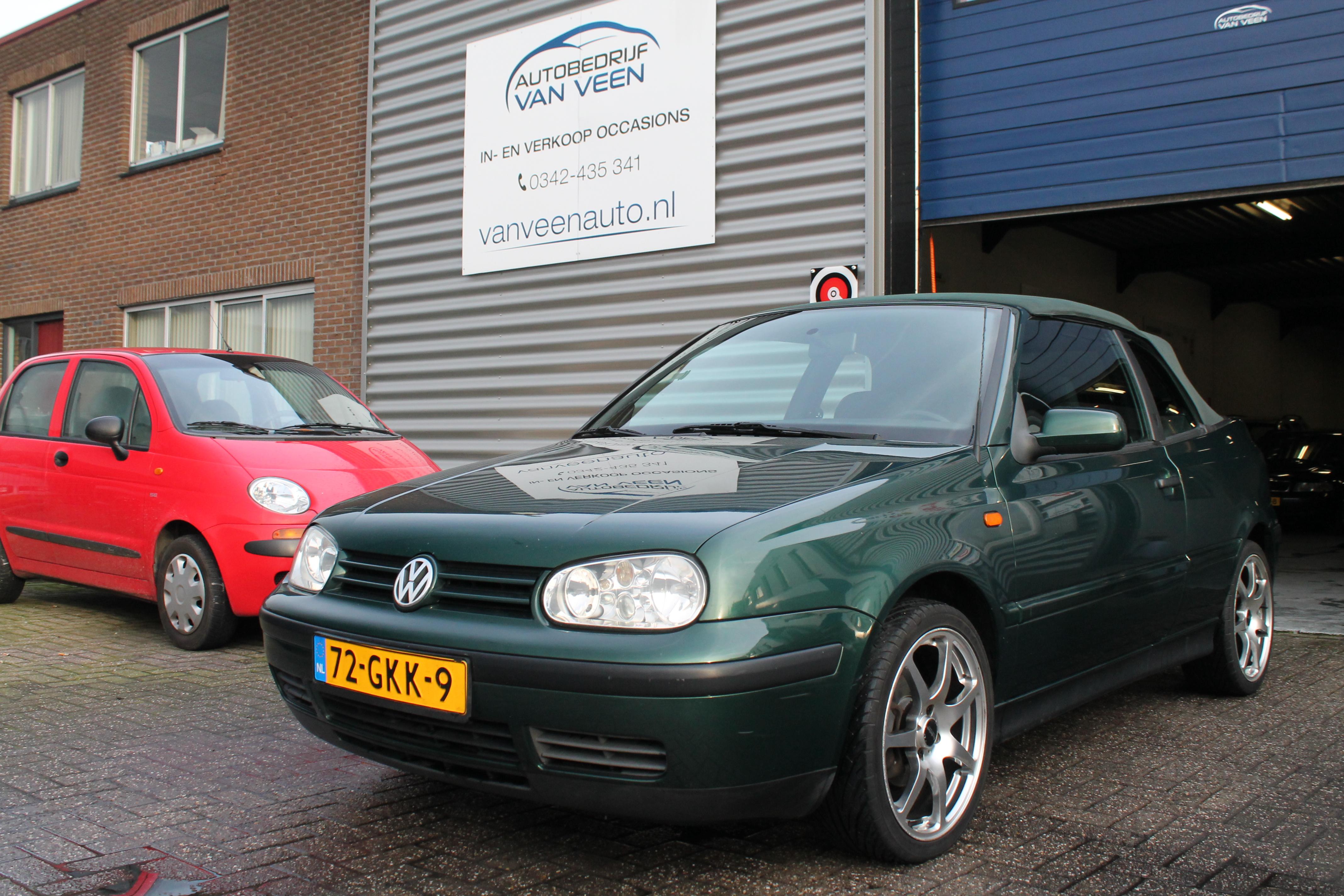 Volkswagen Golf - 1.8i Trendline