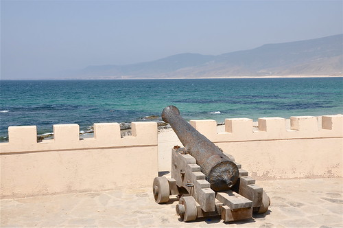sea seascape history beach waves trading weapon cannon defense arabiansea mirbat arabianpeninsula tradinghistory oldweapon ancienttraderoute historyofoman