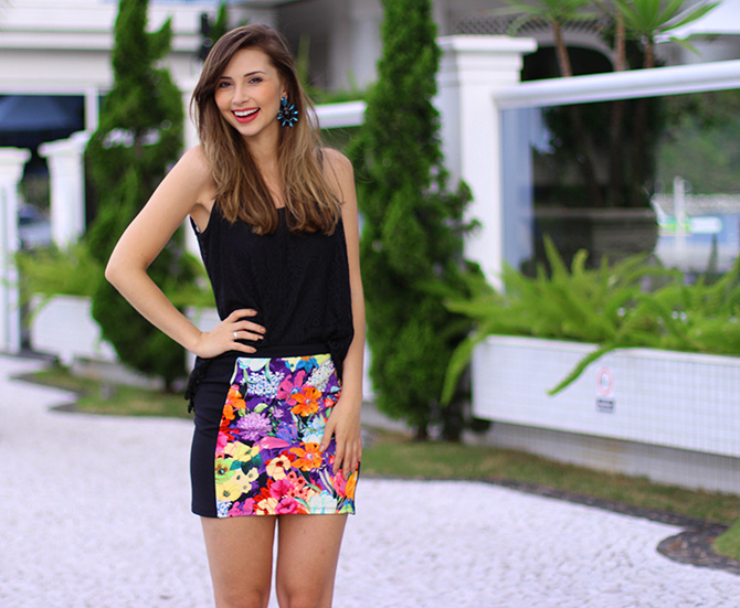 05-look saia estampada e blusa de renda preta sly wear jana taffarel blog sempre glamour