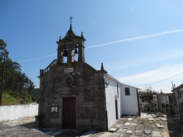 Iglesia de Santa Cruz de Lesón en A Pobra