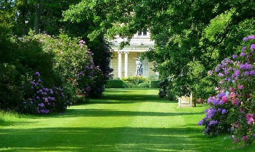 england gardens garden beds bedfordshire whitbread ngs nationalgardenscheme southillpark southill sirjohnbyng viscounttorrington