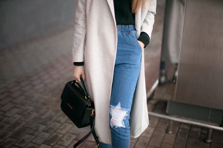 grey-coat-high-waisted-jeans-outfit