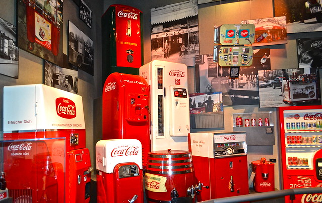 history of coke - vending machine