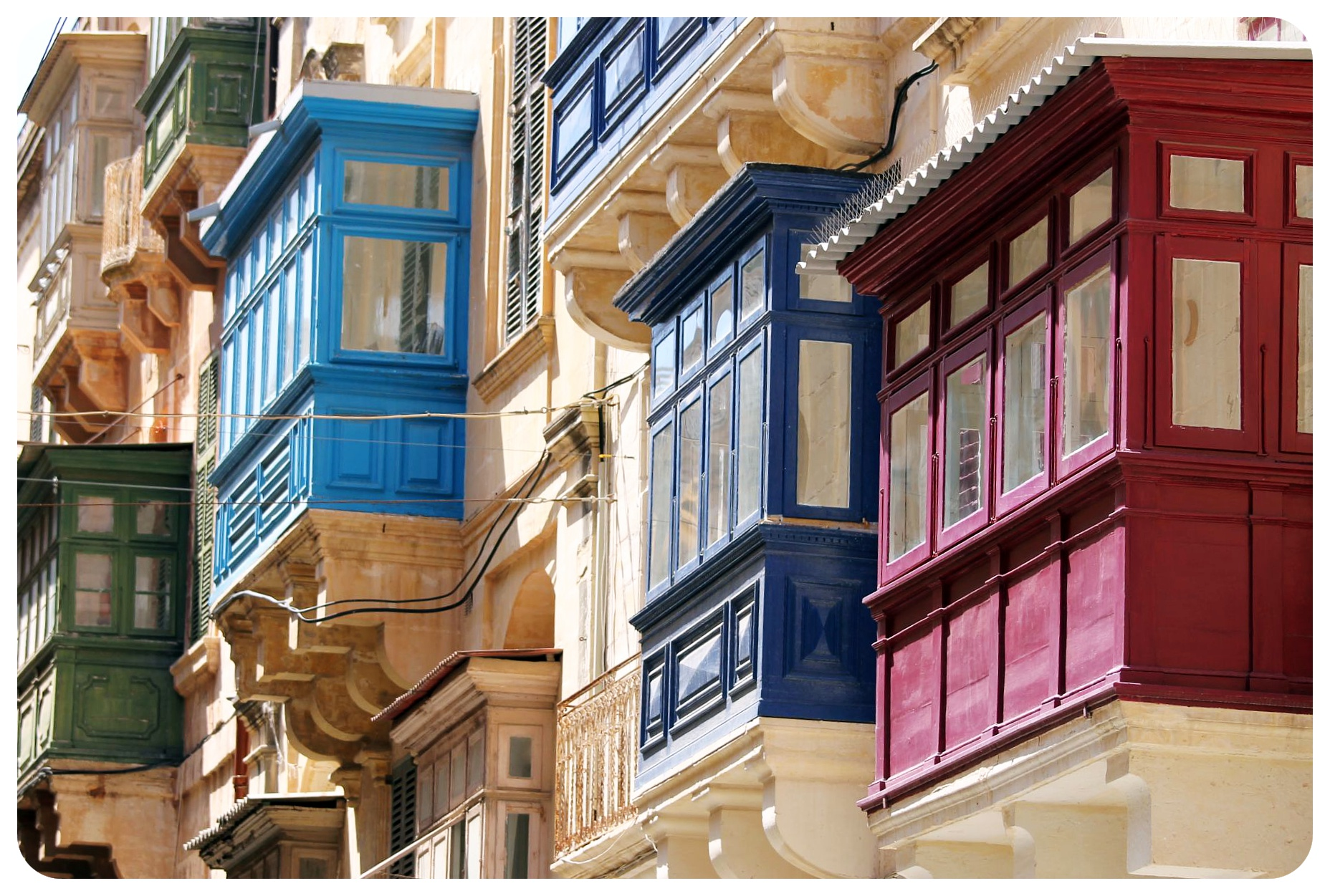 valletta colorful balconies