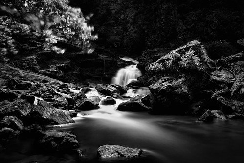 longexposure blackandwhite bw white black water canon flow waterfall highlands rocks gray sigma northcarolina falls f16 valley nd gorge nik flowing lightroom 70d silverefexpro2