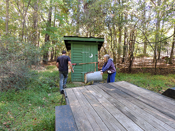 moving-an-outhouse-06