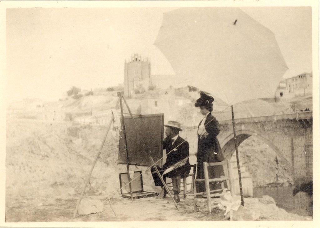 Joaquín Sorolla pintando junto al Puente de San Martín en Toledo en el otoño de 1906. Álbum familiar © Museo Sorolla, MECD