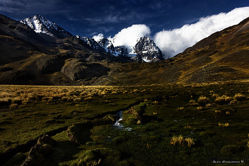 sky snow mountains yellow clouds landscape bolivia bluesky andes lapaz andean tuni tunicondoriri