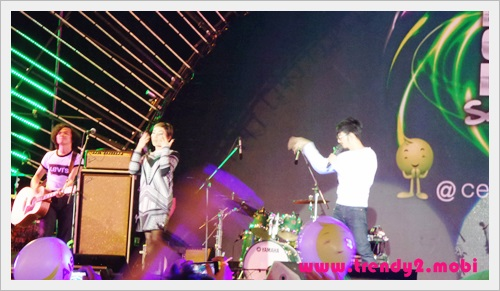 ais-newyear-2015-030