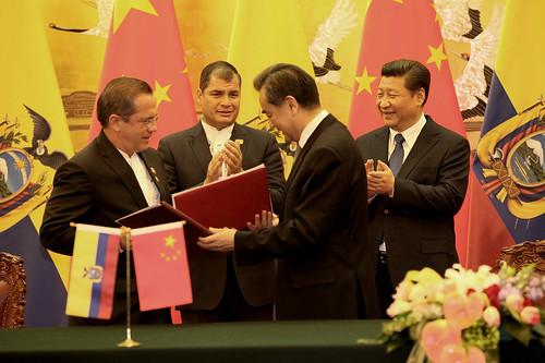 Ecuador y China suprimen visados de turismo para pasaportes ordinarios