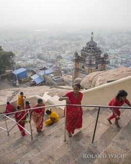 Tiruchirappalli - Pilgrims at Ucchi Pillayar Temple