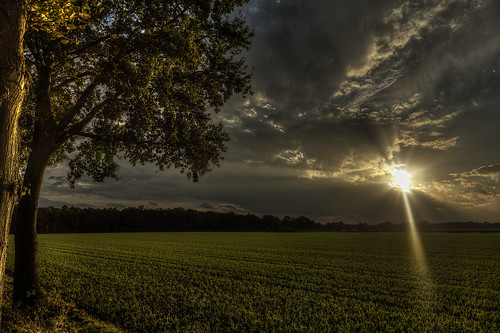 sunset storm clouds canon germany farm rays bigstorm eos5dmarkii klausficker