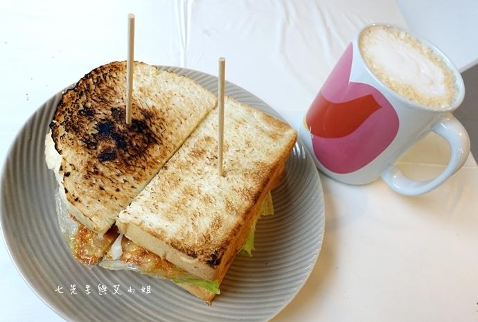 14 板橋萬粟華碳燒三明治