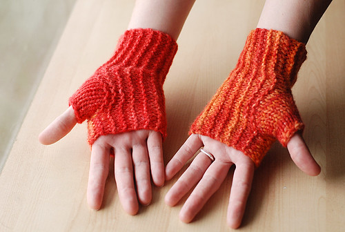 Twist on a Classic mitts