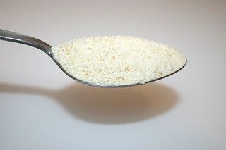 03 - Zutat Semmelbrösel / Ingredient breadcrumbs
