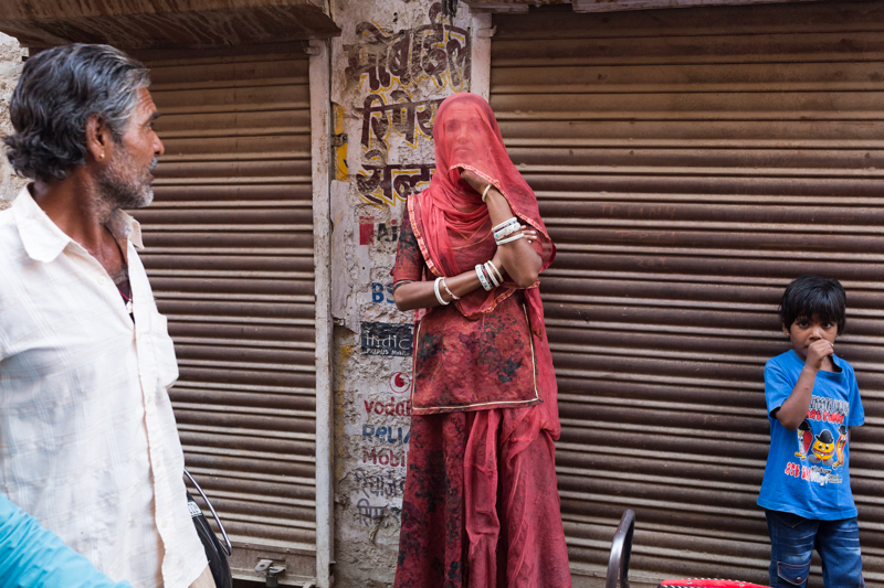 Woman in red, Jaisalmer